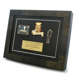 オリジナルピンバッジ作成の実例画像「校章・卒業記念のバッジ」